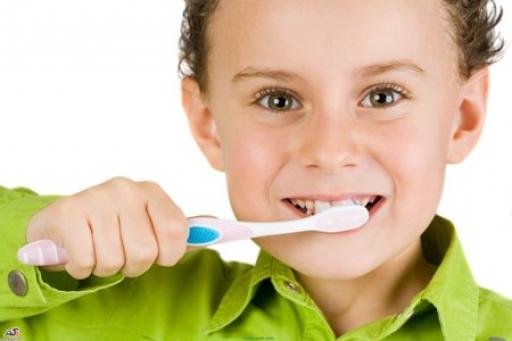 پیشگیری از پوسیدگی دندان با توجه به بهداشت دندان های شیری